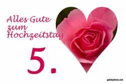 Karte 5. Hochtzeitstag Herz, Liebe, Valentinstag rote Rose Holzhochzeit